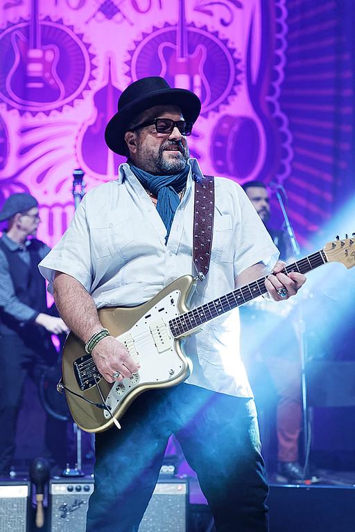 . The Mavericks  live at Royal Oak Music Theatre on 4-29-2018.  Photo credit: Ken Settle