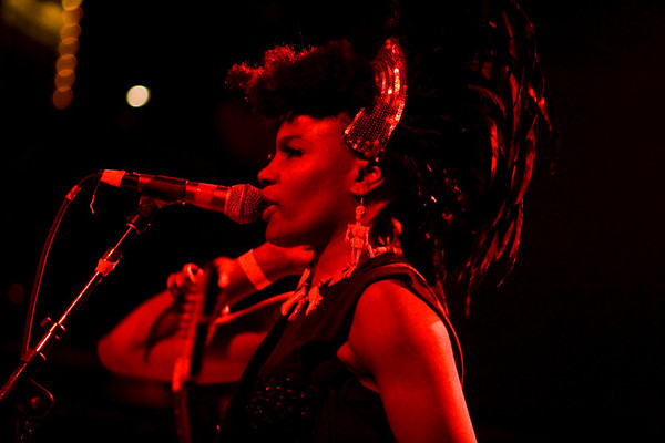 The Noisettes - Irving Plaza, NYC - October 19th, 2007 - Pic 17