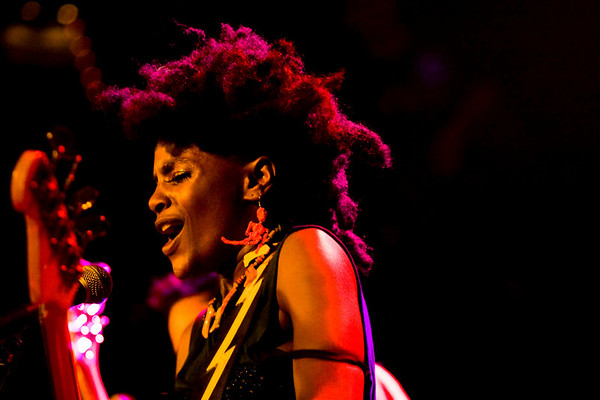 The Noisettes - Irving Plaza, NYC - October 19th, 2007 - Pic 13