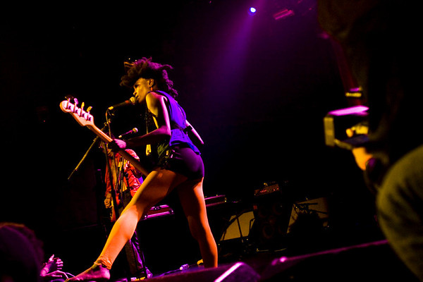 The Noisettes - Irving Plaza, NYC - October 19th, 2007 - Pic 9