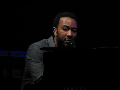 John Legend - 22 May 07 - Memorial Auditorium - Sacramento, CA
