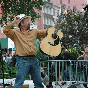 On Broadway (and 23rd)! - Toby Walker set 9/30/2006