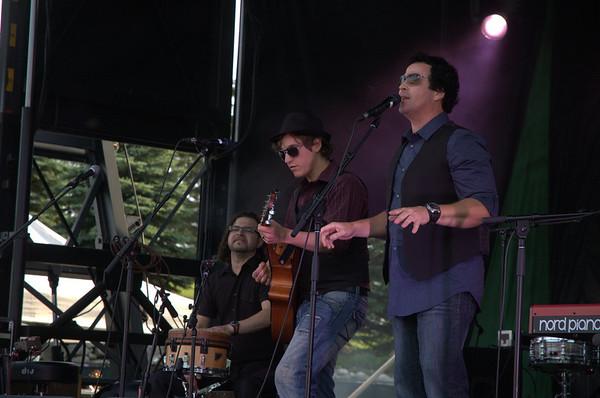 Tom Cochrane- Rock The Bear 2013