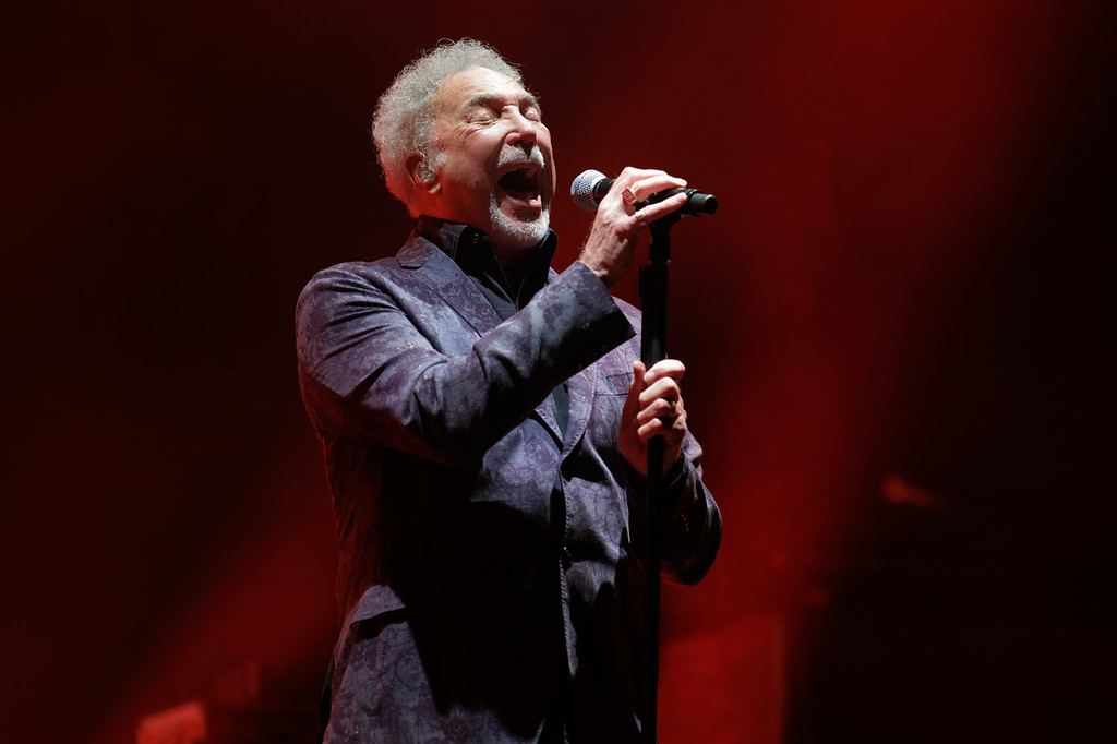 . Tom Jones  live at Detroit Opera House on 5-11-18.  Photo credit: Ken Settle