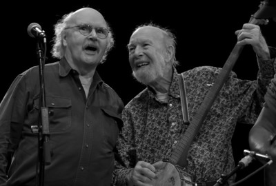 Tom Paxton and Pete Seeger during the finale at Symphony Space, NYC.