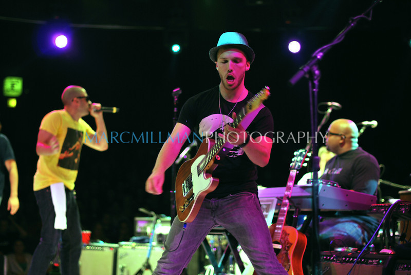 Live from Westbury<br /> <br /> Traveling Circus & Medicine Show (Theatre @ Westbury- Wed 8/4/10)