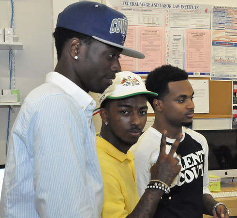 Travis Porter Apple Store