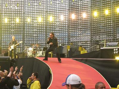 U2_Manchester_2005_06_15-1289