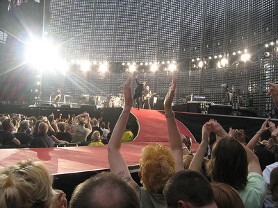 U2_Manchester_2005_06_15-1291