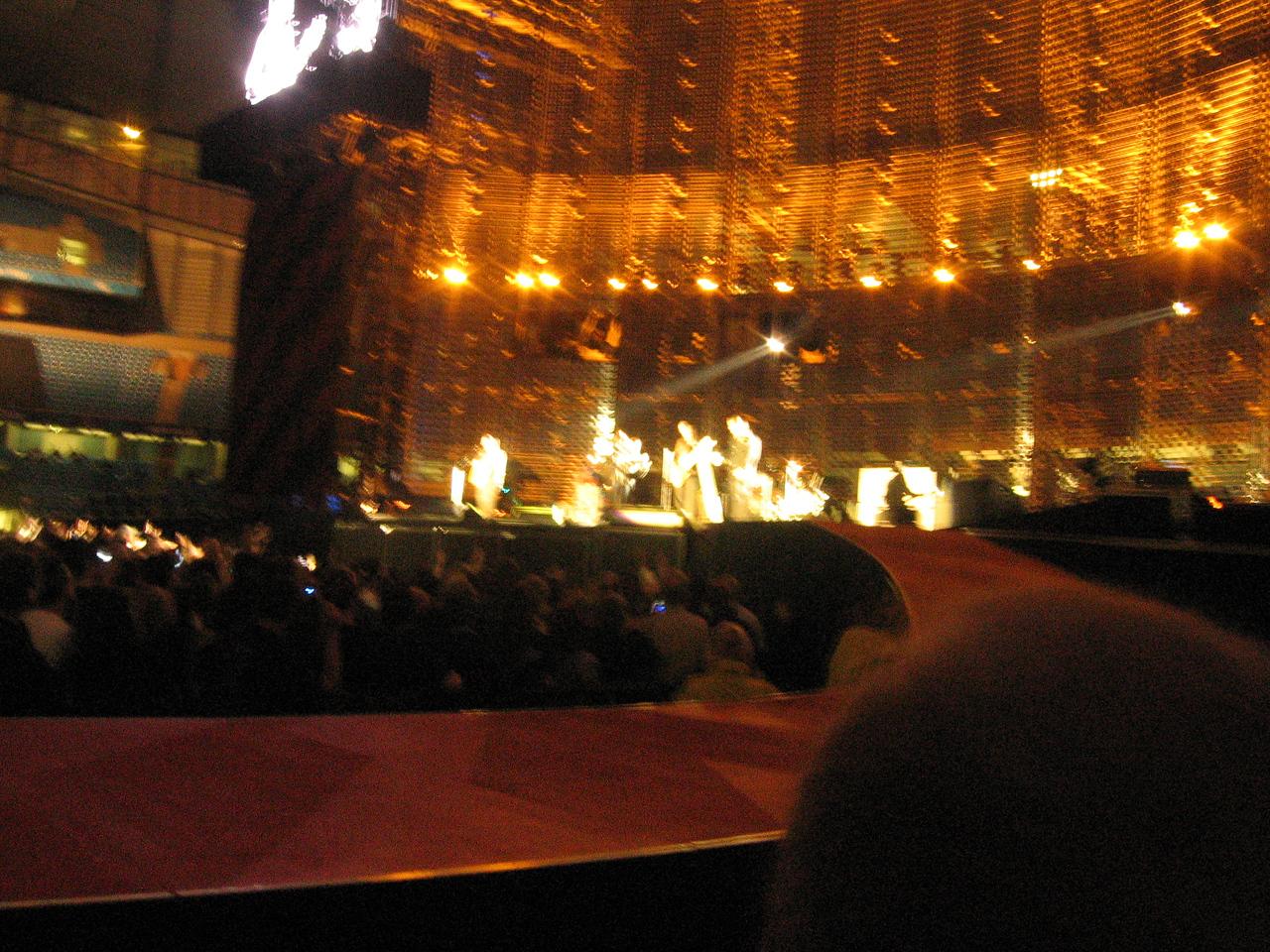 U2_Manchester_2005_06_15-1367