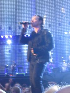 U2_Manchester_2005_06_15-1304