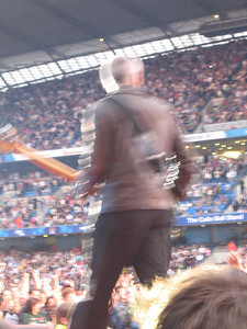 U2_Manchester_2005_06_15-1294