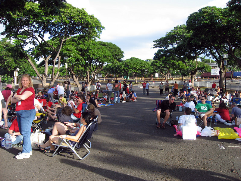 end of GA line outside Aloha Stadium, early in the morning