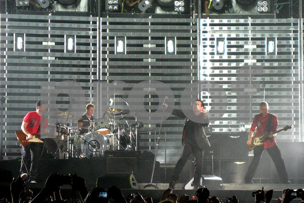 U2 - 2006-12-09 Honolulu, Hawaii