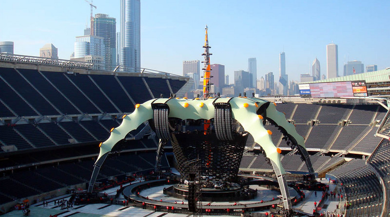 U2.com panoramic photo of The Claw