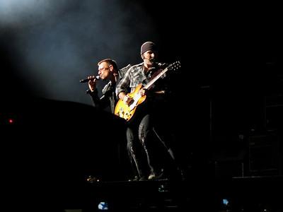 U2 - 2009-10-20 Glendale, AZ