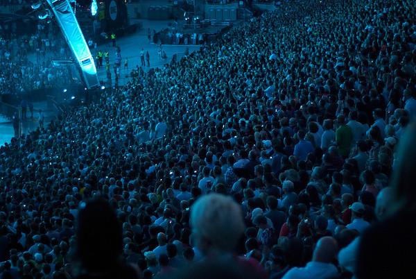 U2-2011-5563
