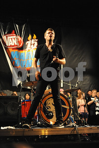 Aug 23, 2009-Carson, California, USA-Musician, SEAN FOREMAN, singer with the band, 3OH!3, on stage, closing night, Vans Warped Tour 2009, Home Depot Center, Carson, California.  (Credit Image: cr  Scott Mitchell/ZUMA Press)