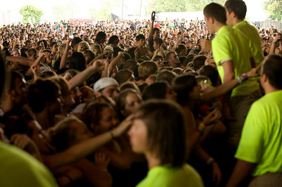 Crowd Gathers to hear All Time Low perform