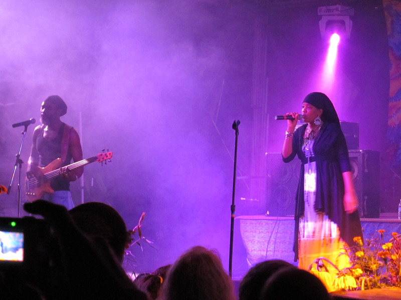 Dezarie performing with Ron Benjamin of Midnite
