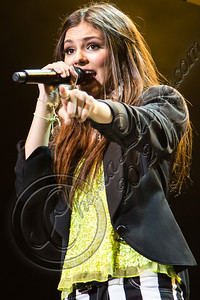 COSTA MESA, CA - AUGUST 02:  Singer / actress Victoria Justice performs at Pacific Amphitheatre on August 2, 2012 in Costa Mesa, California.  (Photo by Chelsea Lauren/WireImage)