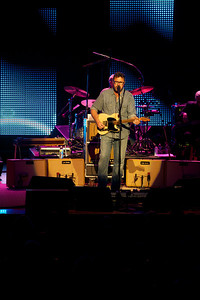 Vince Gill performs at the Taft Theater on Friday