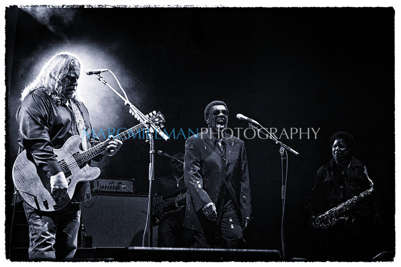 William Bell sings You Don't Miss Your Water<br /> <br /> Warren Haynes Band @ Beacon Theatre- Wed 5/12/11)