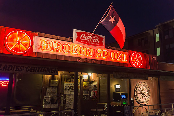 The Broken Spoke - The oldest and Best honky tonk in Texas