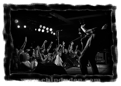 Music_WRH_Crowd_Bodeans_bw