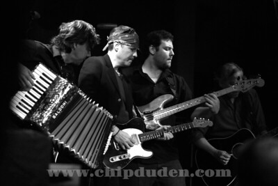 Music_WRH_Bodeans_9S7O4276_bw