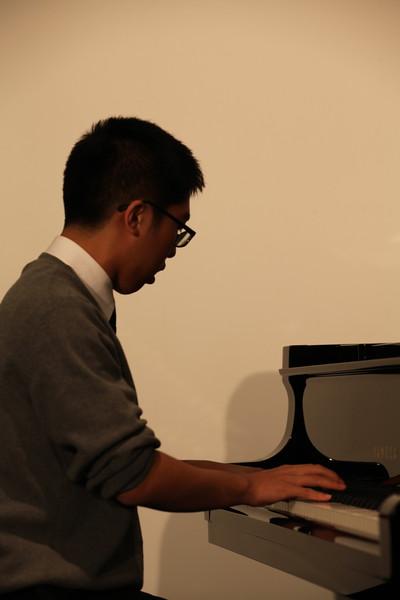 John Yoo_Pianist at Mormon Visitor Center_12282012