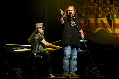 Peter Keys and Johnny Van Zant of Lynyrd Skynyrd