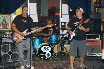 Extra Crispy plays Stone Tavern Kent Ohio