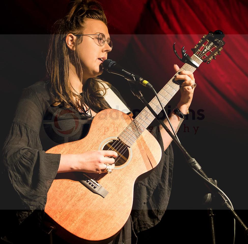 Nadia Reid, Whare Flat Folk Festival, Dunedin. Monday 1 January 2018. © Copyright, Adam Binns Photography, Dunedin, New Zealand 2017