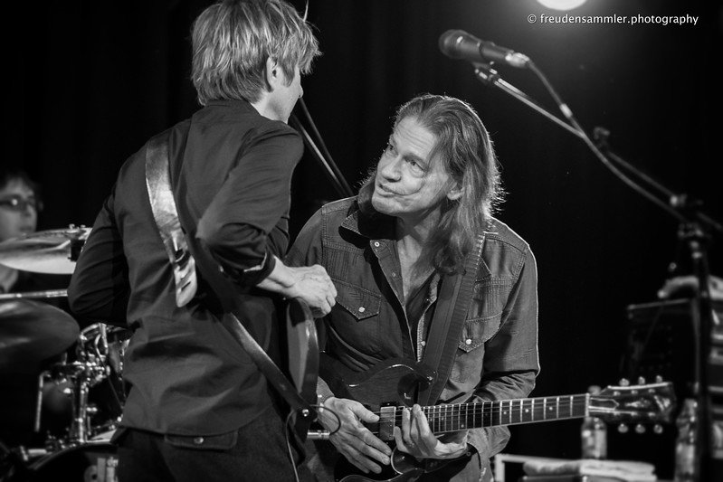 Robben Ford + Eric Johnson jammen (Cologne 11.04.2013)