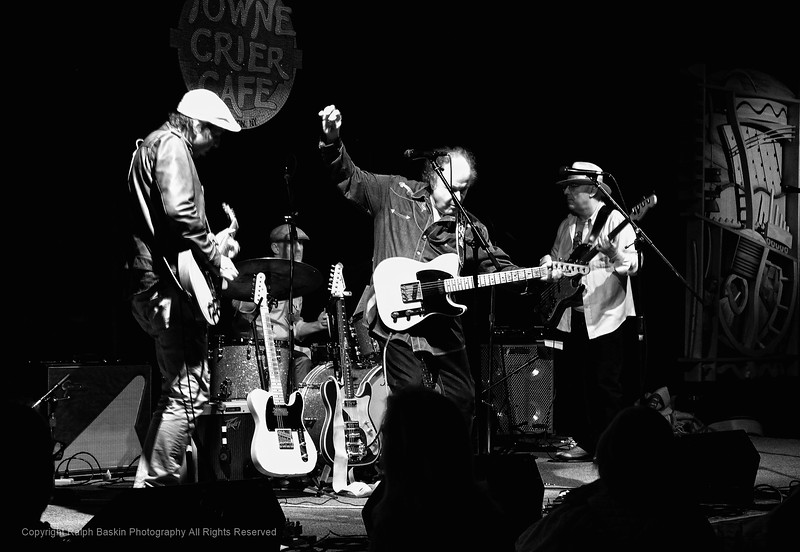 Arlen Roth at the Towne Crier 04-14-2018