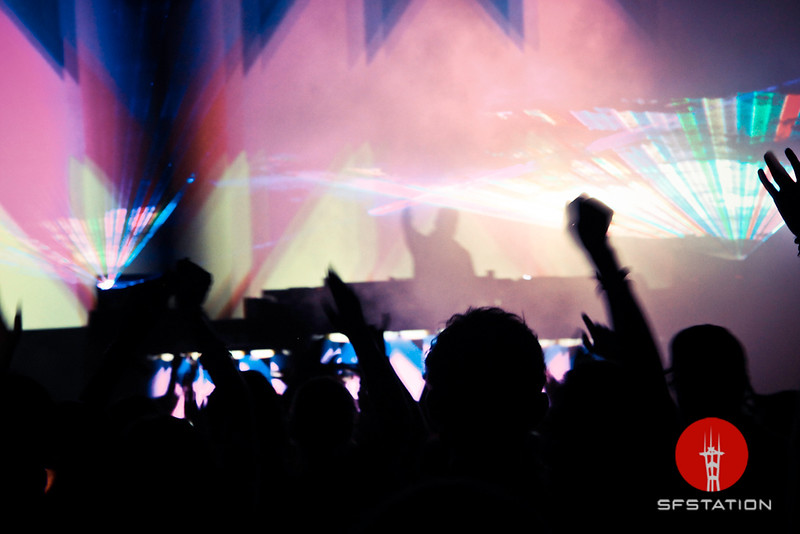 """Photo by Jennymay Villarete <br /><br /> <b>See event details:</b> <a href=""""http://www.sfstation.com/kaskade-e991271""""> Kaskade at The Warfield</a>"""