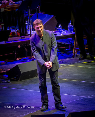 """Craig Morgan sang """"Finally Friday""""…and then leapt off the stage to give Mizz Nancy a hug"""