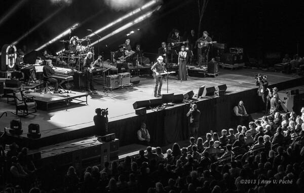 "Brad Paisley and George Jones' band on stage ""Playing Possum"""