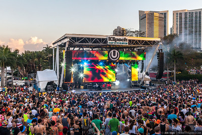 Snoop Dogg and friends Ultra Music Fest 2013