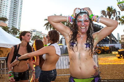 "One of the many ""Cakefaces"" Steve Aoki Ultra Music Fest 2013"