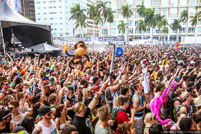 ASOT Ultra Music Fest 2013