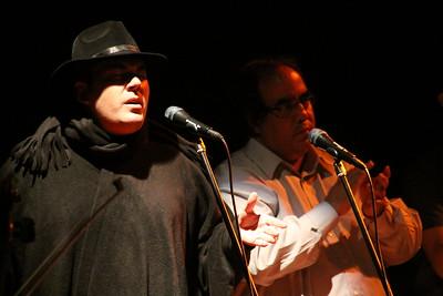 """El Goyo Reyna y Aquiles Báez en el concierto de Iván """"El Negro"""" Alvarez. Corp Banca, 2009. Caracas, Venezuela."""