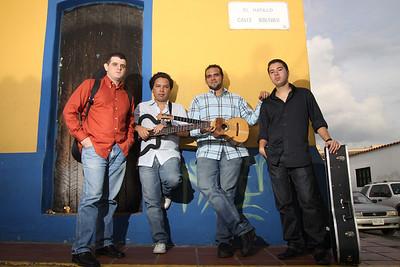 Agrupación C4 Trío en el pueblo del Hatillo, Caracas, Venezuela