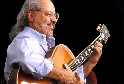 Gonzalo Micó. Guitarrista venezolano, compositor y profesor.