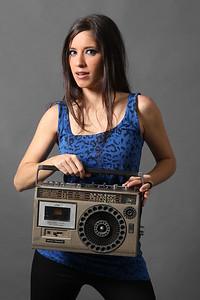 María Pura.  Cantante de Sónica, agrupación de Rock Venezolana, locutora y productora nacional independiente.