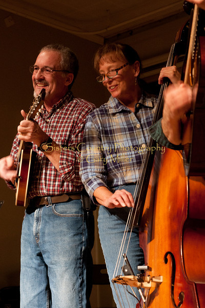 'A Pair of Jacks' performs at the Hoedown for Hunger Benefit concert for the homeless in Bend, OR. November 2009. Gary Miller - Sisters Country Photography