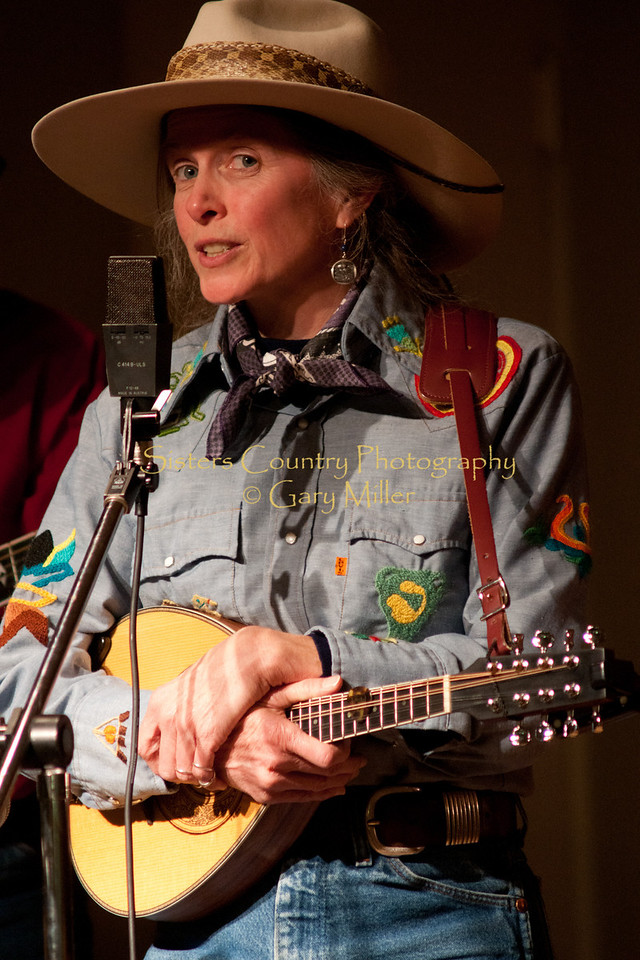 Lynn Woodward of The Anvil Blasters performing at the Hoedown for Hunger benefit concert for the homeless in Bend, OR. November 2009. Gary Miller - Sisters Country Photography