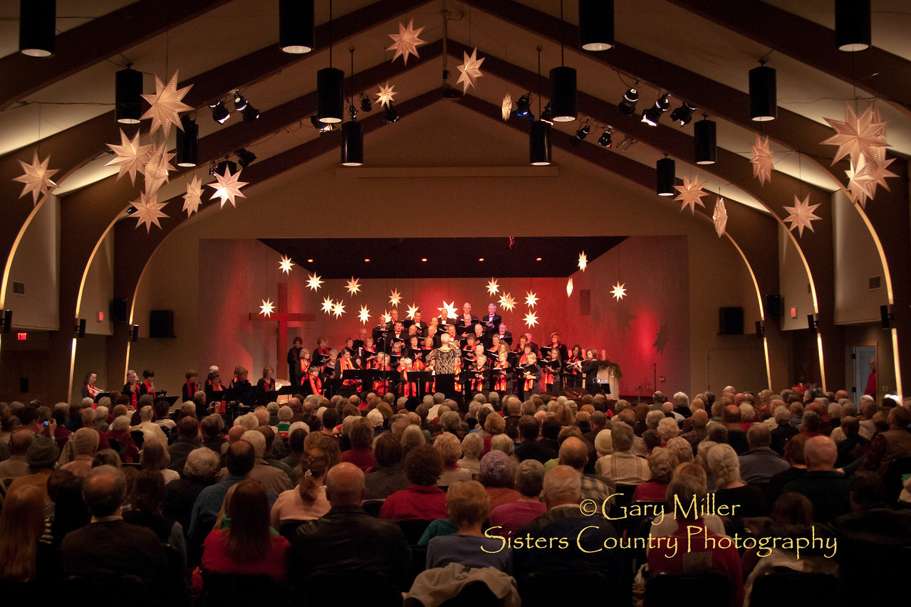 2010 Christmas Concert - Sisters Community Choir