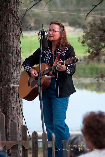 Katey Riley - High & Dry Bluegrass Festival 2010 - Gary Miller - Sisters Country Photography